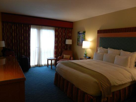 Renaissance Curacao Resort & Casino: Hotel room - resort side - Room 374