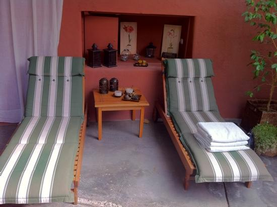 Robles de Besares : pool area