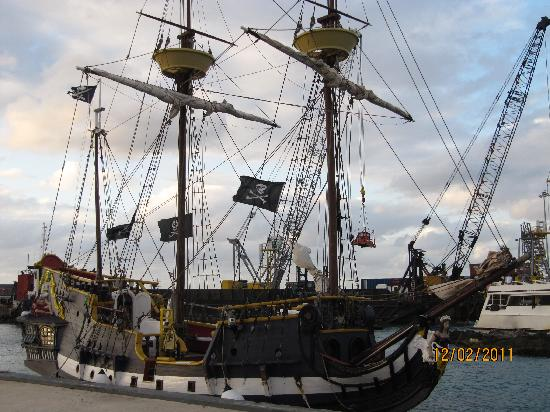 The Jolly Roger : boarding time