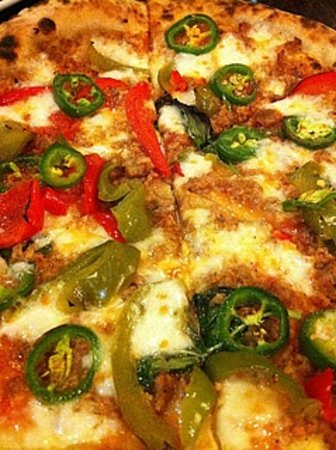 Cavalli Pizza: jalapeno & bell peppers, italian sausage
