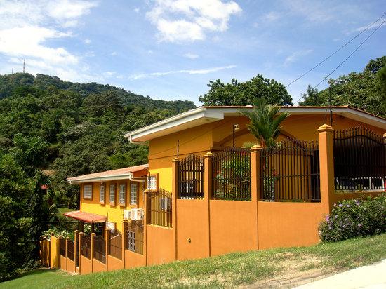 Coconut Lodge main house