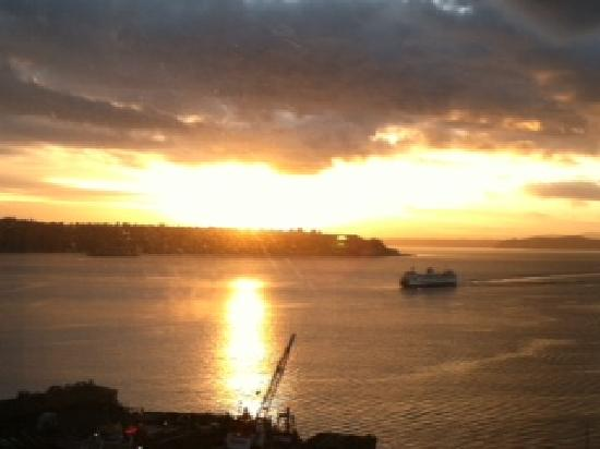 Four Seasons Hotel Seattle: View from 801