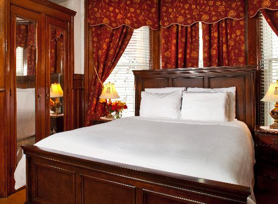 American Guest House: Room 203