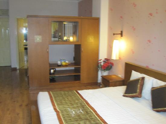 Hanoi Luxor Hotel : King 2