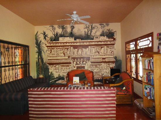 Casa Hamaca Guesthouse: Inside the foyer