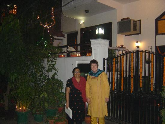 Aashiyan Bed & Breakfast: Guests celebrating Diwali at Aashiyan