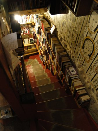 piano on the second floor picture of shakespeare and company bookstore paris tripadvisor. Black Bedroom Furniture Sets. Home Design Ideas