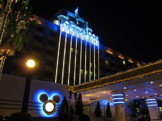 Disney S Hollywood Hotel At Night