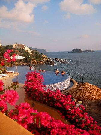 Cala de Mar Resort & Spa Ixtapa: view from room