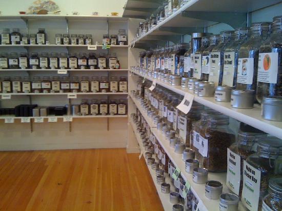 Oregon Coffee and Tea: Walls of tea!
