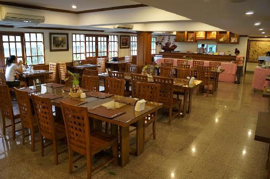 Hong Residence: Breakfast area