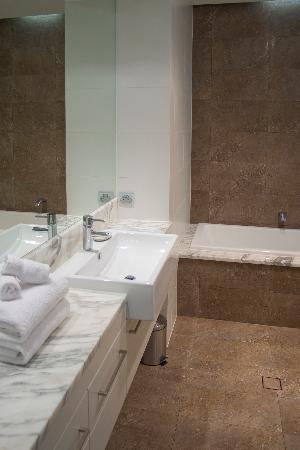 Byron Bay Penthouse Apartments : Ensuite Apt 4