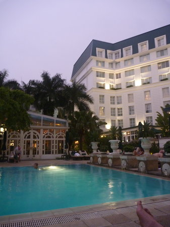 Sofitel Legend Metropole Hanoi: Exterior and pool