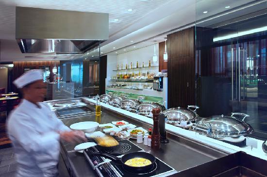 Centro Al Manhal Abu Dhabi by Rotana: C.Taste, All Day Dining