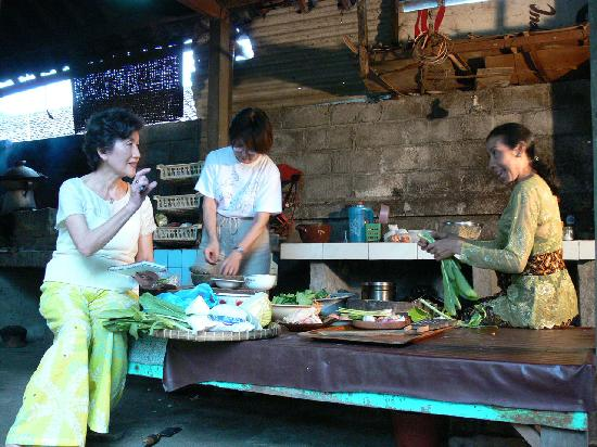 Gunung Merta Bungalows: Cooking Lesson