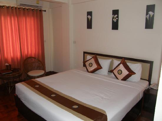 Palm Garden Hotel : Bed Room