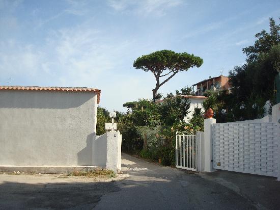 Villa Erade: Entrance to villa