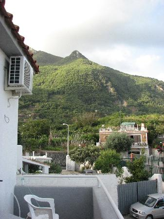 Villa Erade: View from the balcony on Epomeo