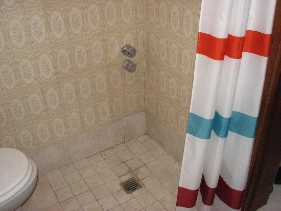 Villa Erade: Shower-2
