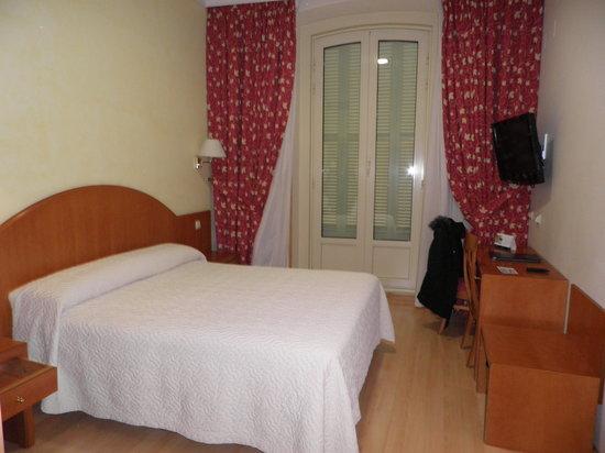 Hotel Europa: hotel room
