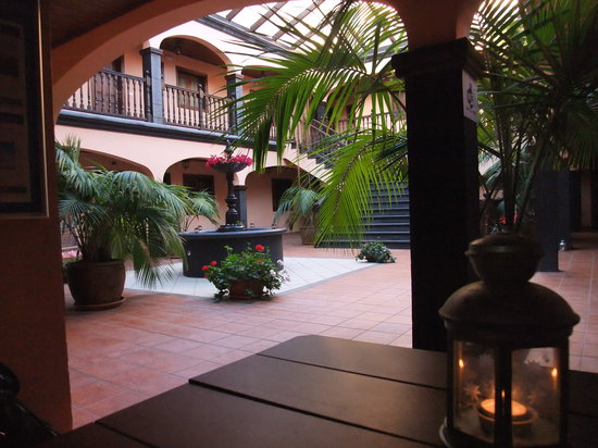 Residencial El Conde: The tranquil courtyard