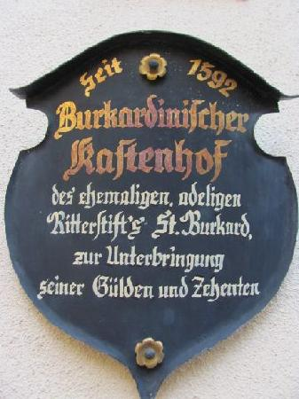 Historischer Kastenhof: 6