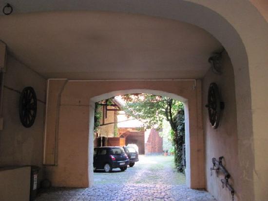 Historischer Kastenhof: corridor