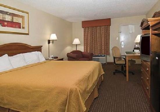 Rodeway Inn: Guest Room with King Bed