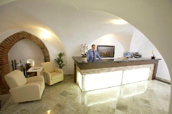 Royal Residence Ungelt: New residence reception