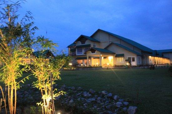 Padmini Resort: NITE VIEW