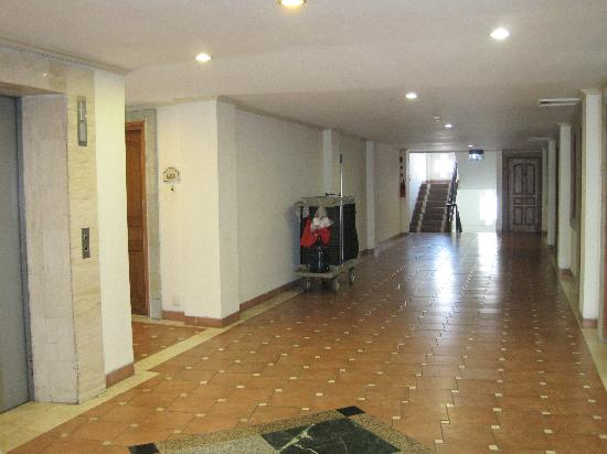 The Jayakarta Bali Beach Resort: The hallway outside our room