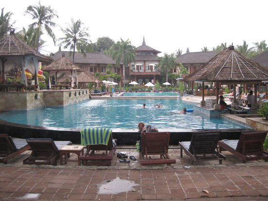 Jayakarta Bali : The main pool