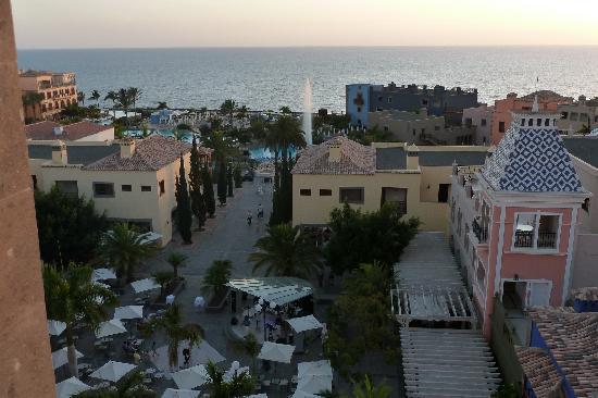 Lopesan Villa del Conde Resort & Corallium Thalasso: Plaza von oben