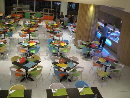 Ibis Styles Yogyakarta: Colors Restaurant