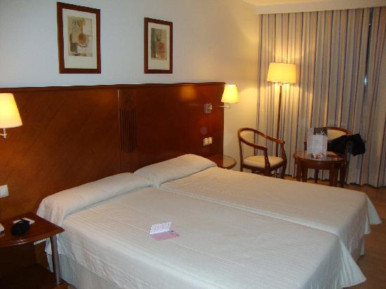 Golden Tulip Andorra Fenix Hotel: habitación