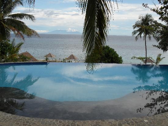 Amun Ini Beach Resort & Spa : Pool