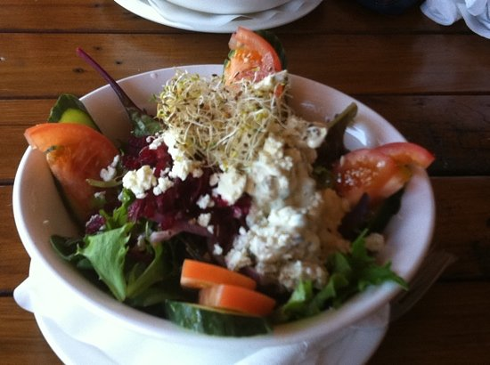 Ra Ra's: Greek chicken salad - highly recommended!!