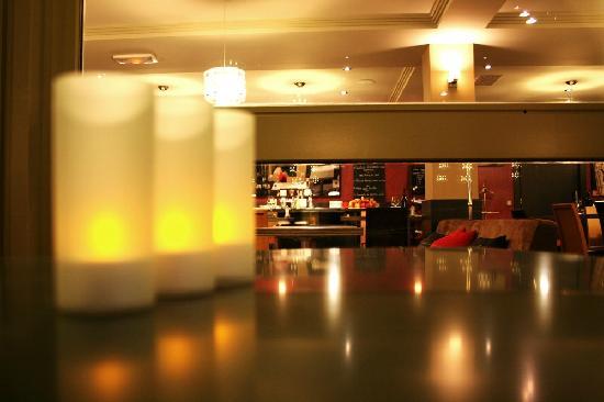 Best Western Hotel L'Atelier 117: Restaurant - Terrasse
