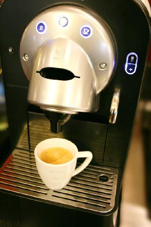 Best Western Hotel L'Atelier 117: Restaurant - Petit-déjeuner, la Nespresso