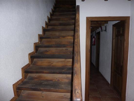 Hotel Ropino: acceso a la segunda planta