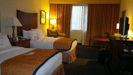 DoubleTree by Hilton Nashville-Downtown: Beds