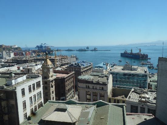 Hotel Da Vinci Valparaiso: Valpo from top of Ascensor Conception