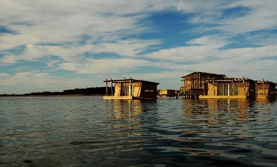 Laguna Garzon Lodge: vista Hotel flotante