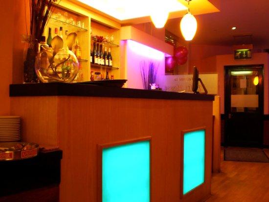 The Balti House: Bar