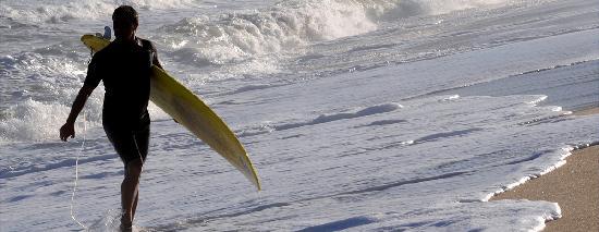 Laguna Garzon Lodge: surf en el océano