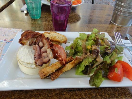 Les Terrasses de Saint Pierre : starter - the only eatable dish