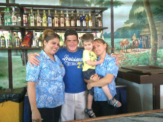 Hotel Playa Costa Verde: staff lobby bar