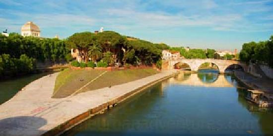 Urban Adventures: The magical Tiber island