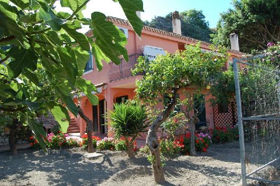 Villa Carmelas: veduta del residence