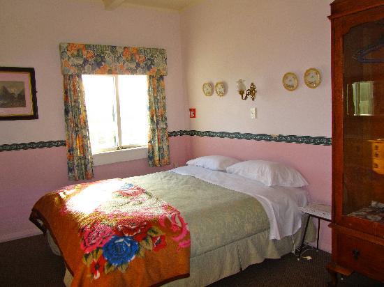 YHA Paraparaumu Barnacles Seaside Inn: Barnacles Seaside in private room